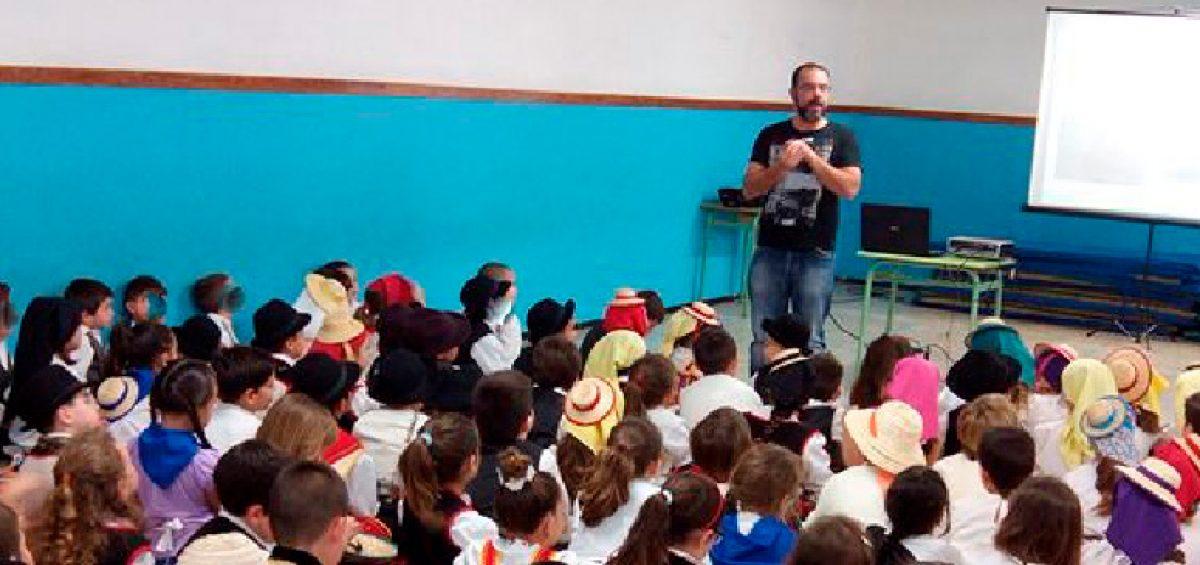 El-MAIT-acerca-la-realidad-artesana-a-alumnos-de-primaria-1200x565